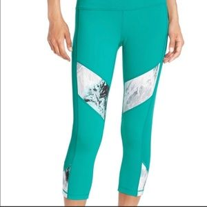 Zella Teal Capri Marble Leggings